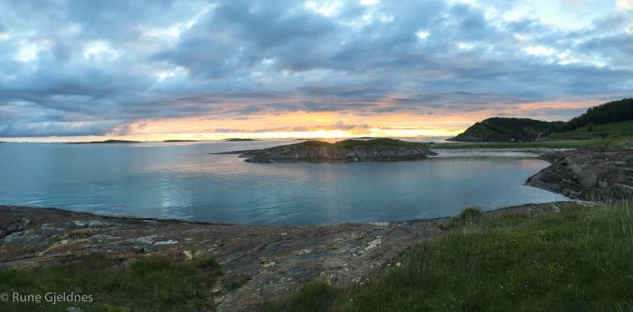 Evening mood at Sandhornøy, after a beautiful evening flight.